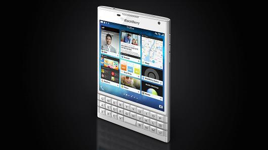 blackberry-passport-3