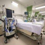 Pic05 AIS 5G สู้ภัย COVID-19 มอบเงินสนับสนุน รพ. จุฬา สร้างหอผู้ป่วยกึ่ง…
